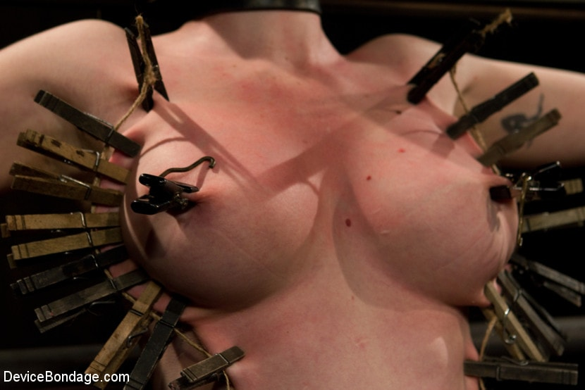 Kink 'Curvy broad suffers for orgasms then strung up by hair suspension.' starring Sybil Hawthorne (Photo 10)