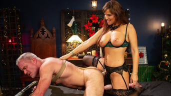 Syren de Mer in 'Santa Gets Got: MILF Syren de Mer Catches Dale Savage in Her Dungeon'