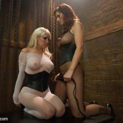 Syren de Mer in 'Kink' Milftastic Anal Sluts: Mikki Lynn and Syren de Mer (Thumbnail 15)