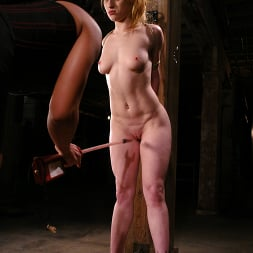 Tawni Ryden in 'Kink' and Sandra Romain (Thumbnail 9)