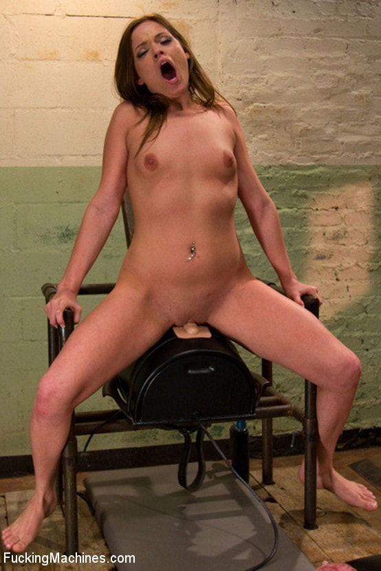 Kink '18yr old Texans Babes Water Fuck, Machine Fuck, Finger Fuck, Reload and do it AGAIN!' starring Tristyn Kennedy (Photo 8)