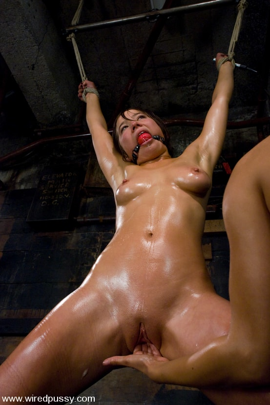 Kink 'Lesbian Amateur gets dominated and fucked' starring Vai (Photo 12)