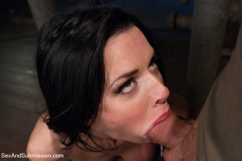 lonely-housewife-blowjob
