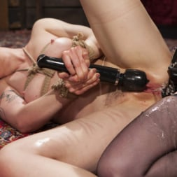 Veruca James in 'Kink' Beat, Fisted, and Fucked!: Lilith Luxe submits to Veruca James (Thumbnail 15)
